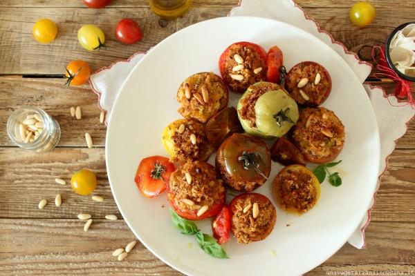 Pomodoricoloratiripienidipaneeerbette_unavegetarianaincucina_00
