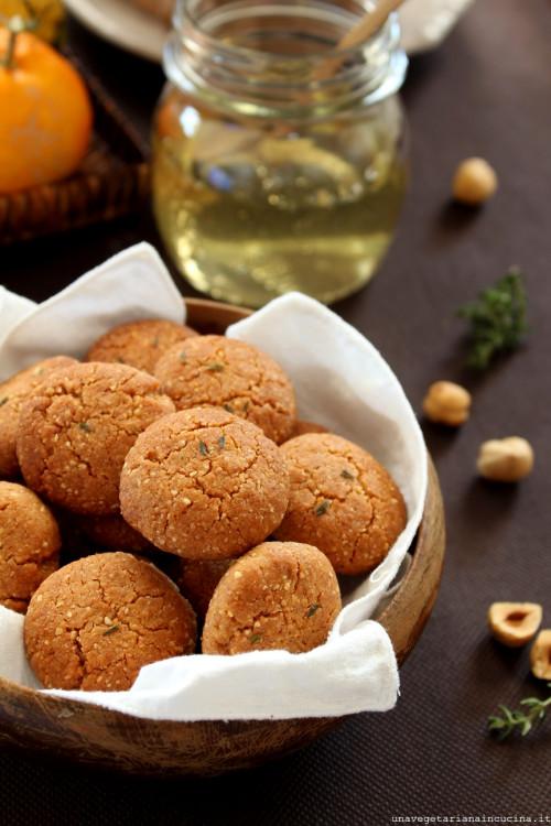 Biscottiniprofumatiagliagrumietimo_unavegetarianaincucina_00