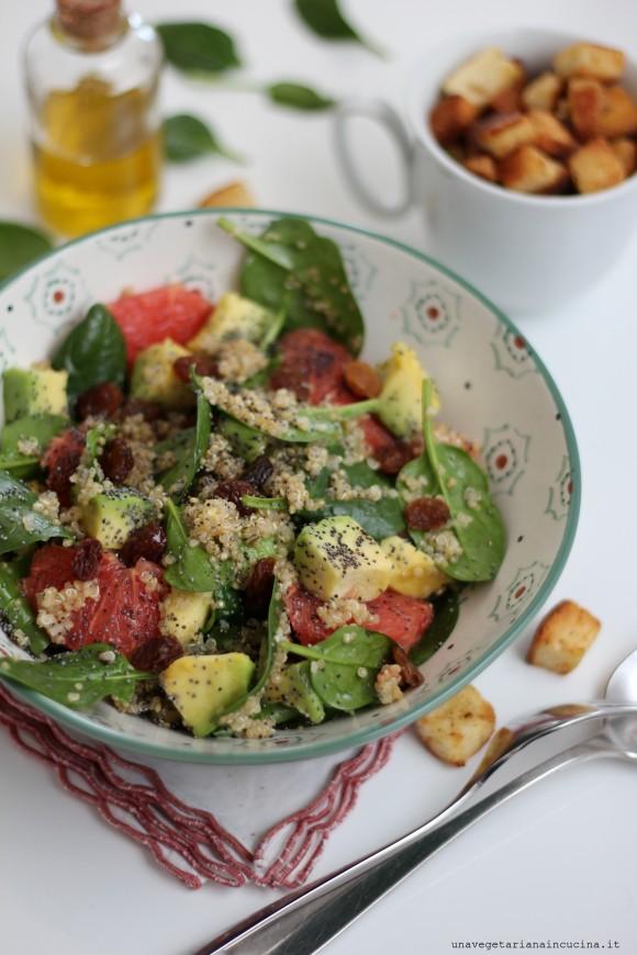 Insalata vegan quinoa pompelmo