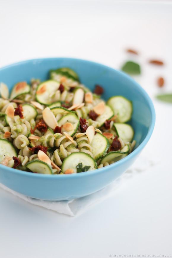 Pasta-pesto-zucchine-avocado-1051