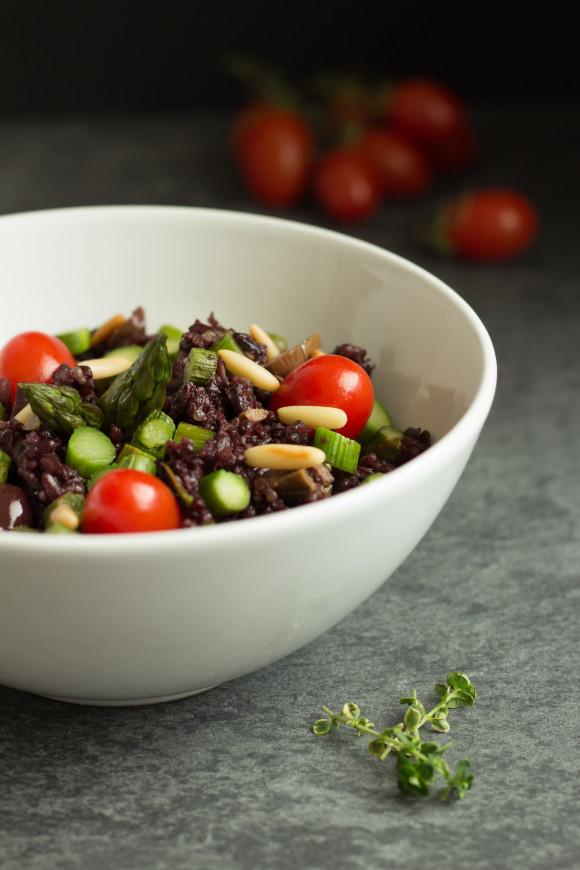 riso nero olive asparagi pomodorini