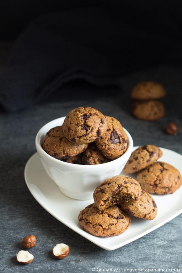 biscotti morbidi nocciole cioccolato
